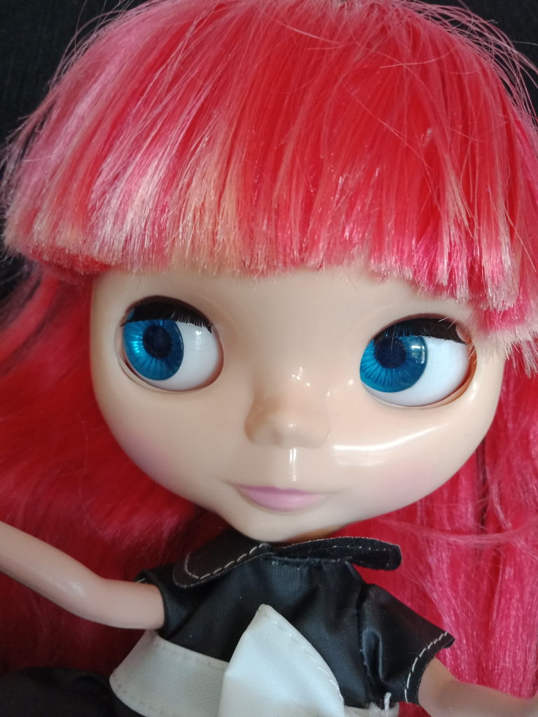 Blythe Doll with red hair change to blue eyes