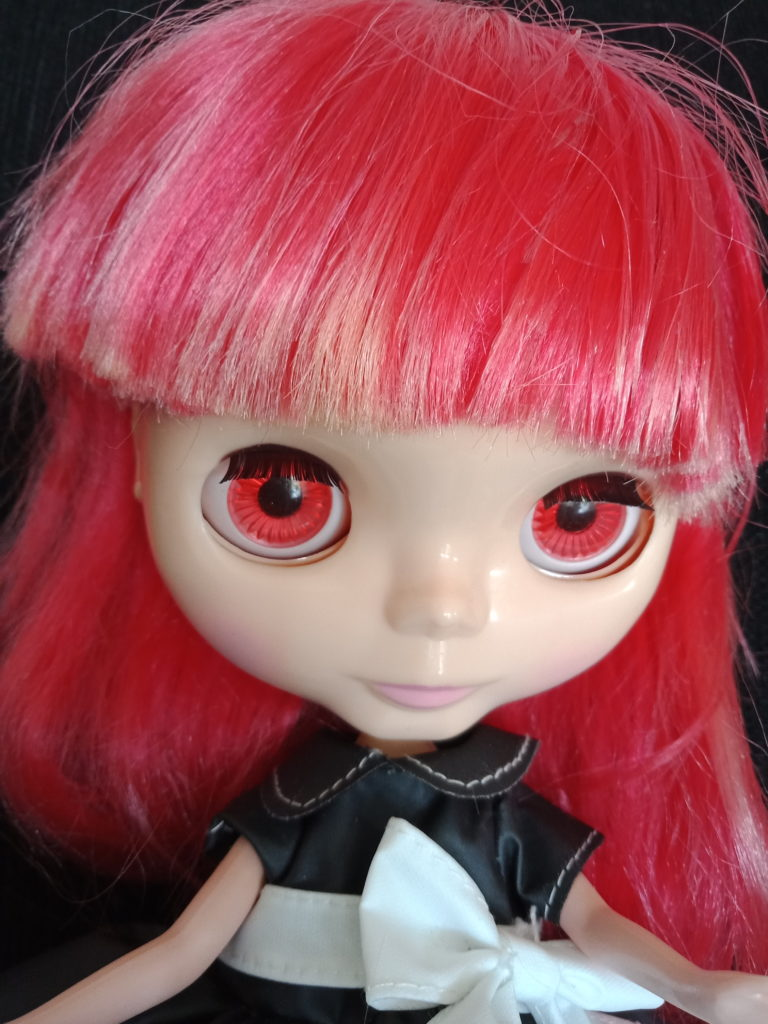 Blythe Doll with red hair change to red eyes